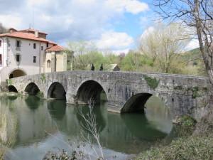 Puente de Arre over rio Arga