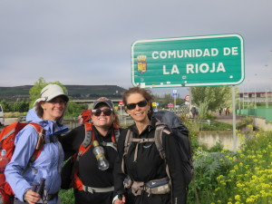 Laurie, Maria and Beth entering Rioja Region